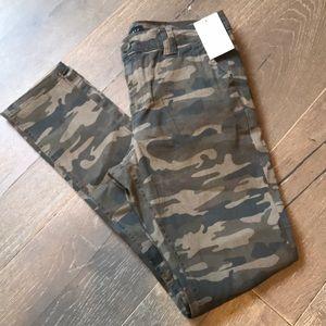 Sanctuary Camo Skinny Jeans. Size 26. New w/tags.